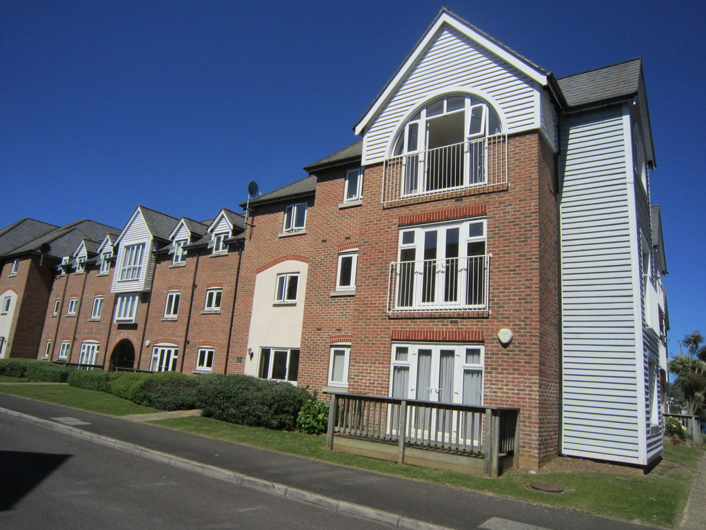 2 Bedrooms Apartment Flat for sale in The Lakes, Larkfield ME20