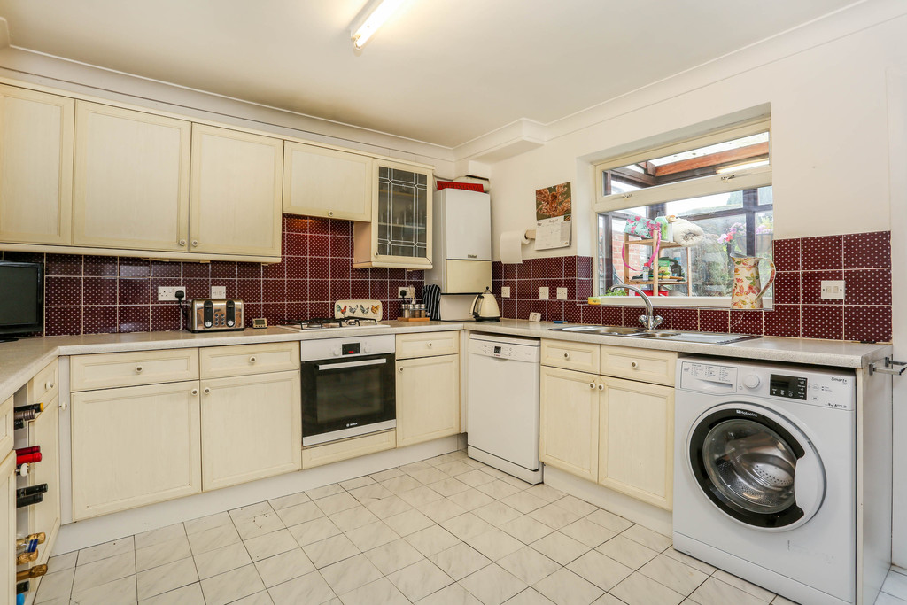 4 Bedrooms Terraced House for sale in Newark Road, South Croydon CR2