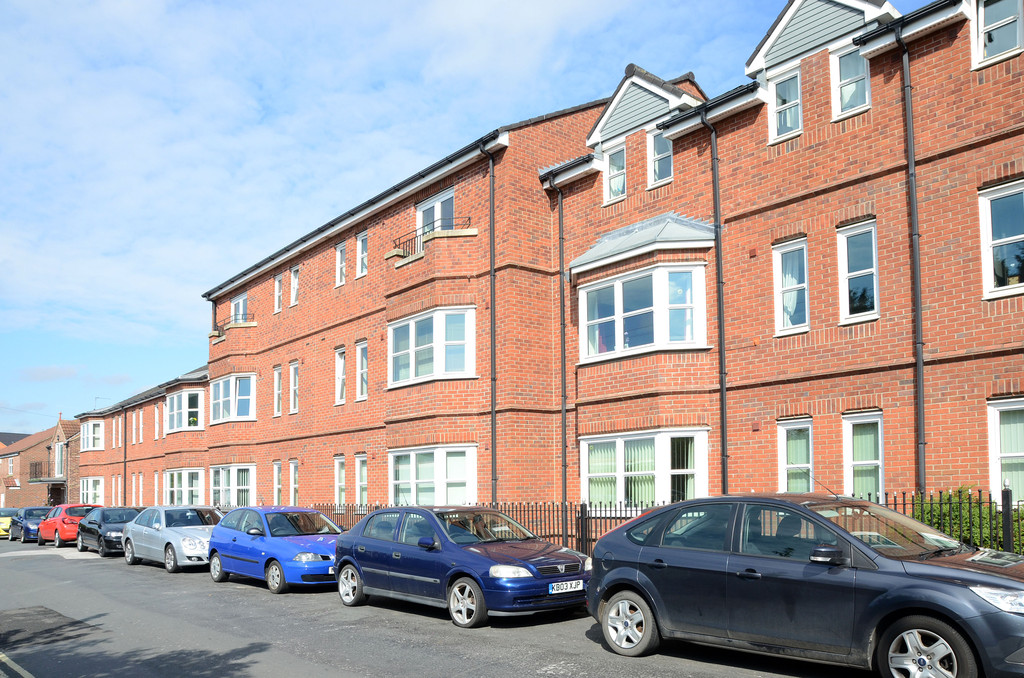2 Bedrooms Flat for sale in The Archway, Little Hallfield Road YO31