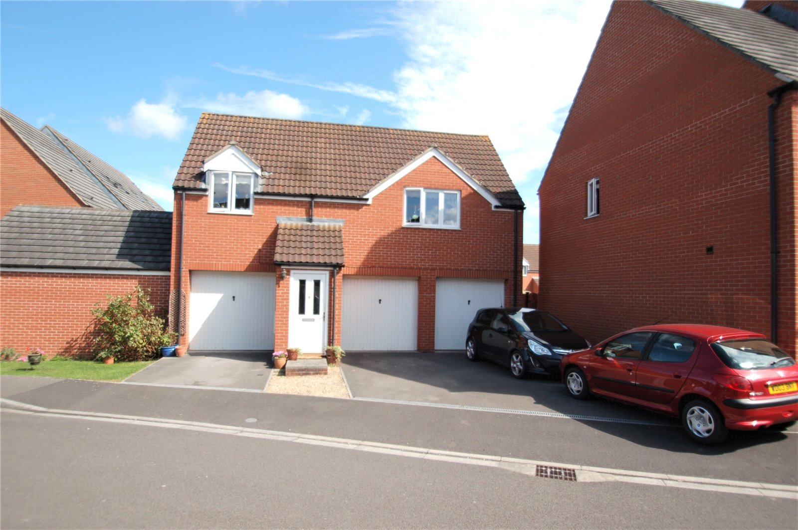 2 Bedrooms Flat for sale in Watermans Meadow Bridgwater Somerset TA6