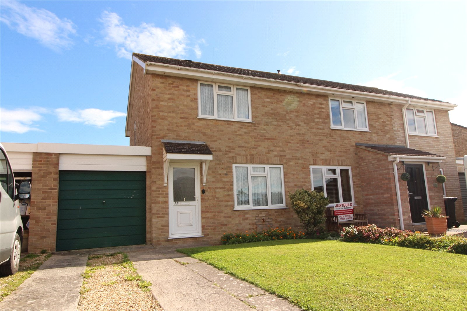 2 Bedrooms Semi Detached House for sale in Paddock Drive Highbridge Somerset TA9