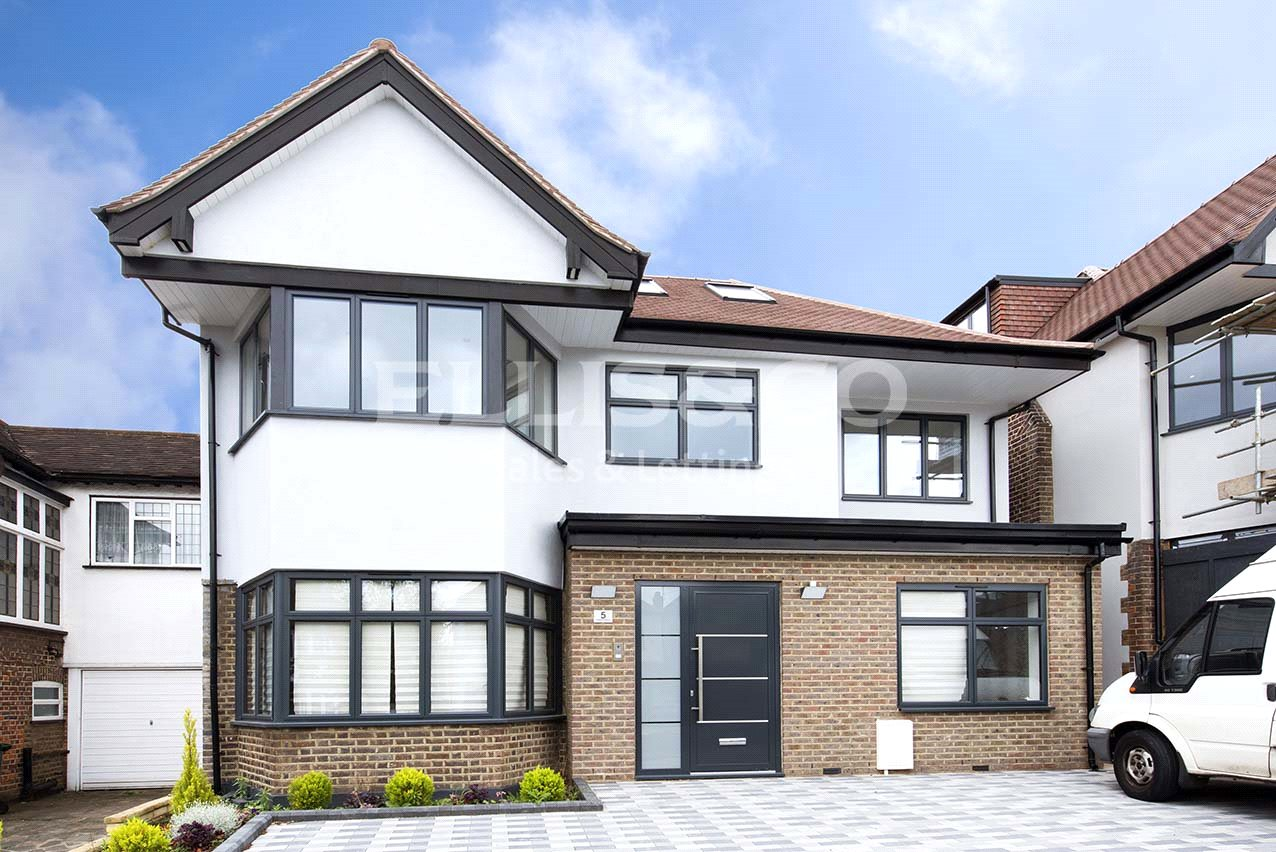 6 Bedrooms Detached House for sale in Vaughan Avenue London NW4