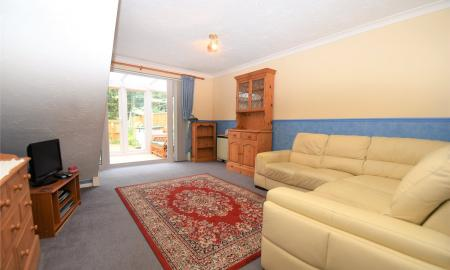 Warblington Close Tadley Hampshire RG26 Image 4