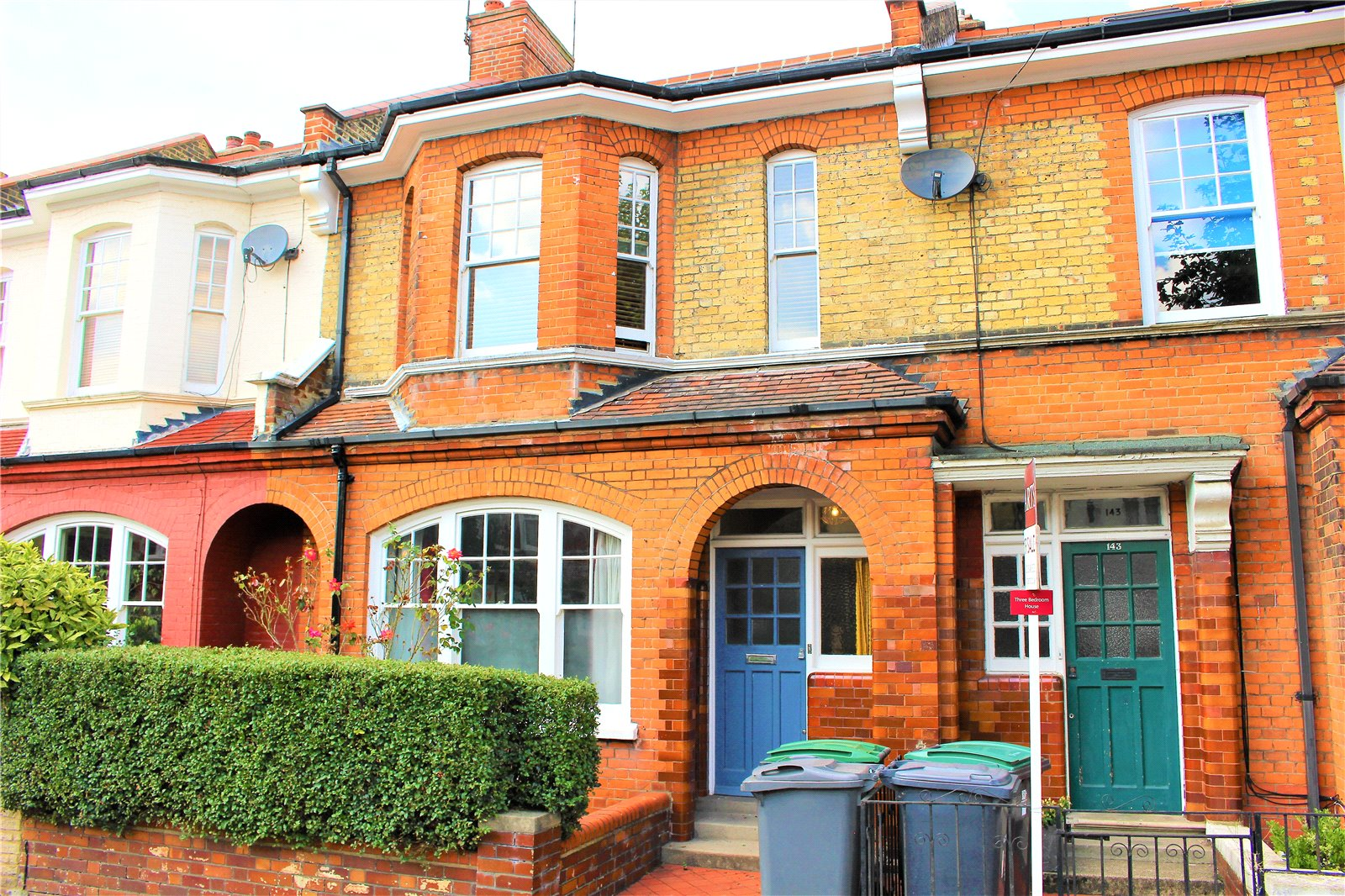 2 Bedrooms Terraced House for sale in Russell Avenue Wood Green London N22
