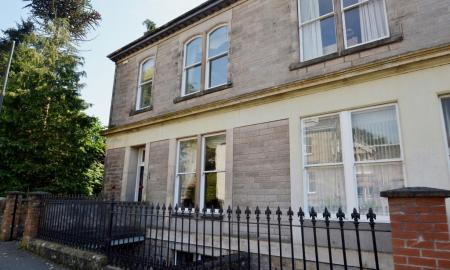 Photo of 7 bedroom Town House for sale