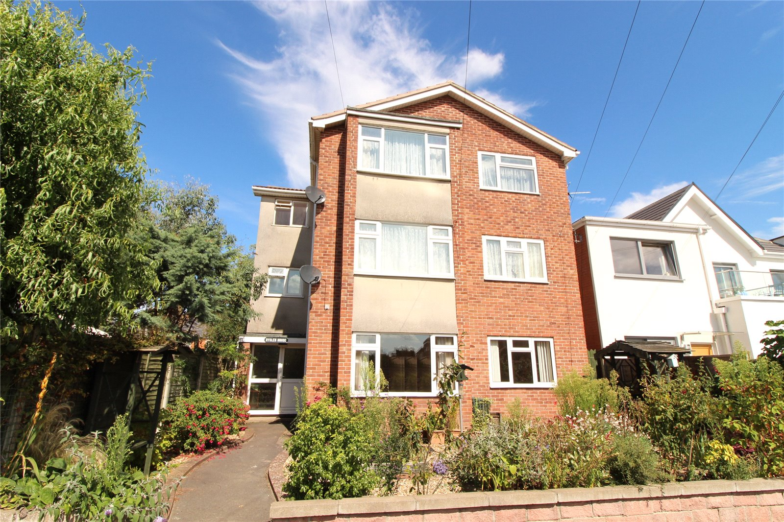 2 Bedrooms Flat for sale in Grove Road Burnham on Sea Somerset TA8