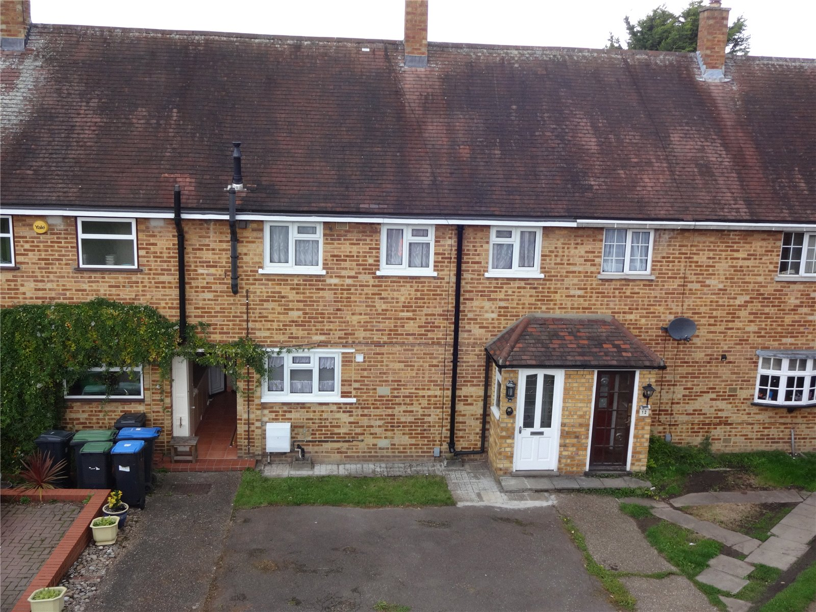 3 Bedrooms Property for sale in Comreddy Close Enfield Middlesex EN2