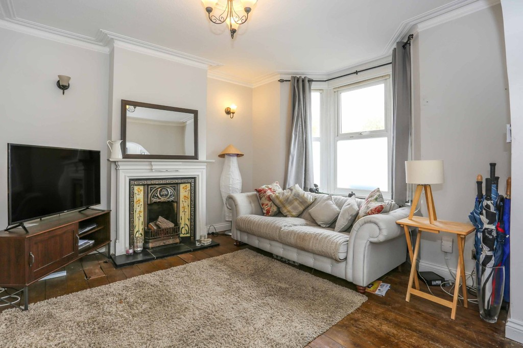 3 Bedrooms Terraced House for sale in Sussex Road, South Croydon CR2