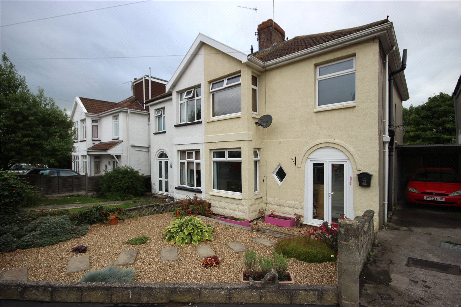 3 Bedrooms Semi Detached House for sale in Longford Avenue Westbury-On-Trym Bristol BS10