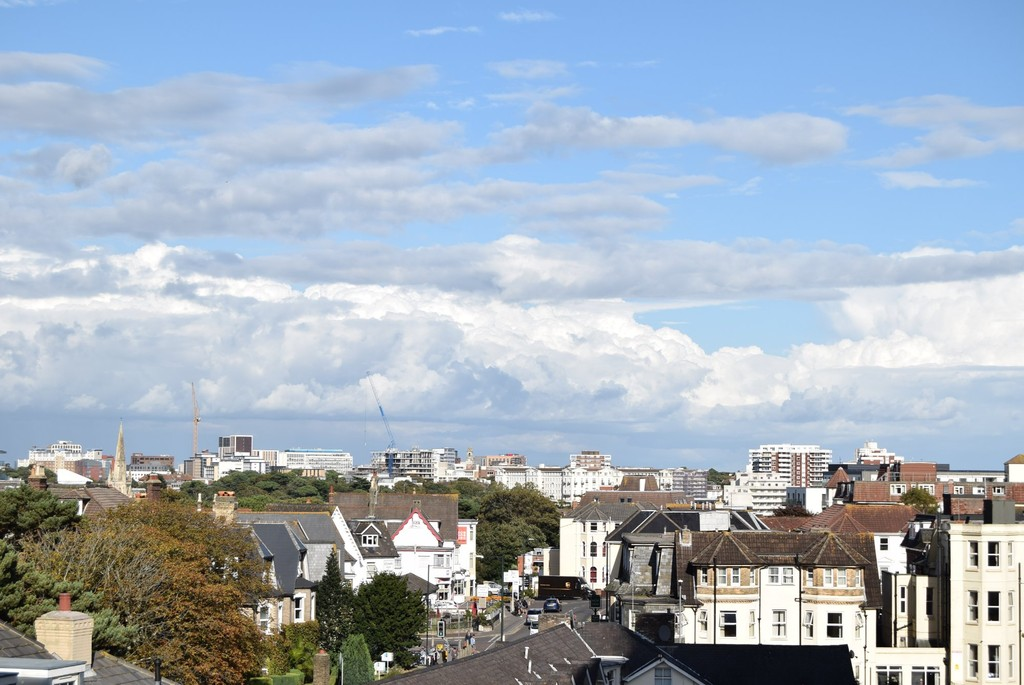 2 Bedrooms Apartment Flat for sale in Avon House, Bournemouth BH2