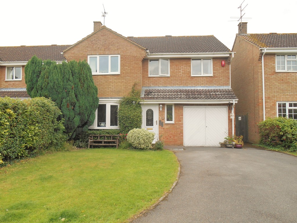 4 Bedrooms Detached House for sale in Freshbrook SN5