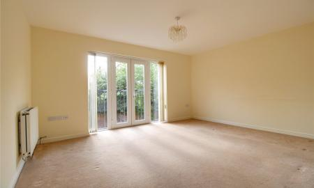 Regis Park Road Reading Berkshire RG6 Image 3