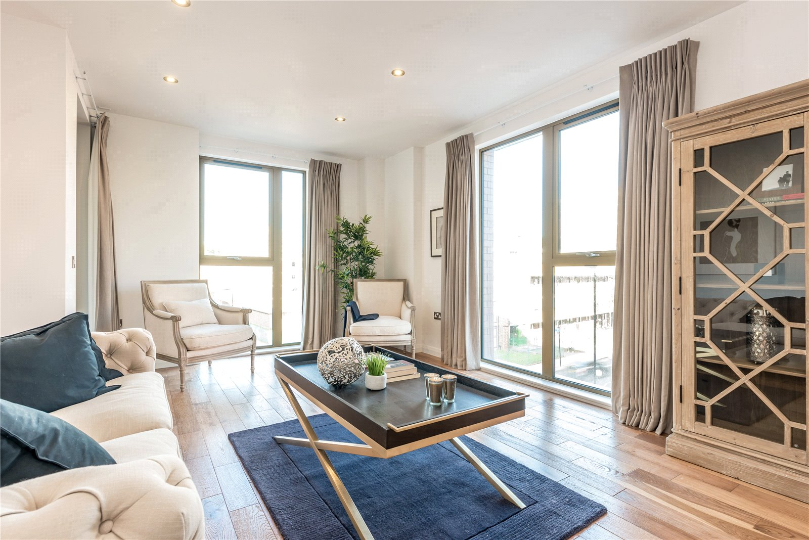 3 Bedrooms Flat for sale in The Residence Hoxton London N1