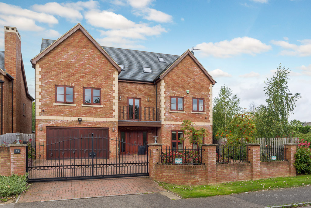 6 Bedrooms Detached House for sale in Loughton, Milton Keynes MK5