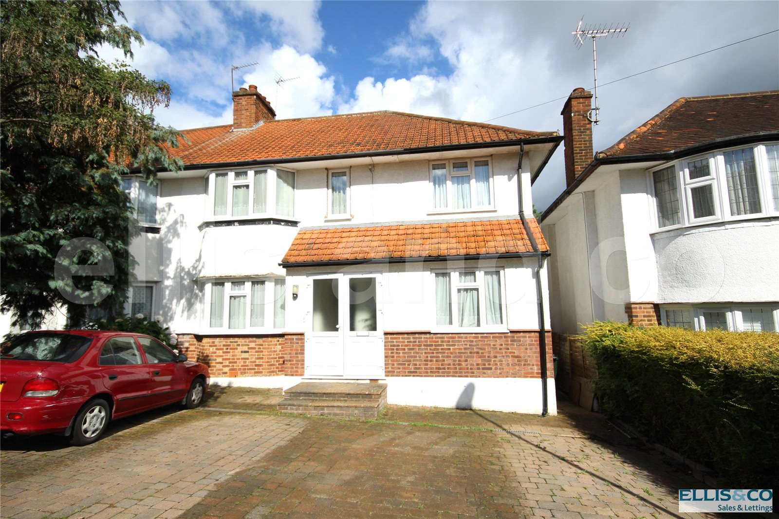 4 Bedrooms Semi Detached House for sale in Lawrence Avenue Mill Hill London NW7