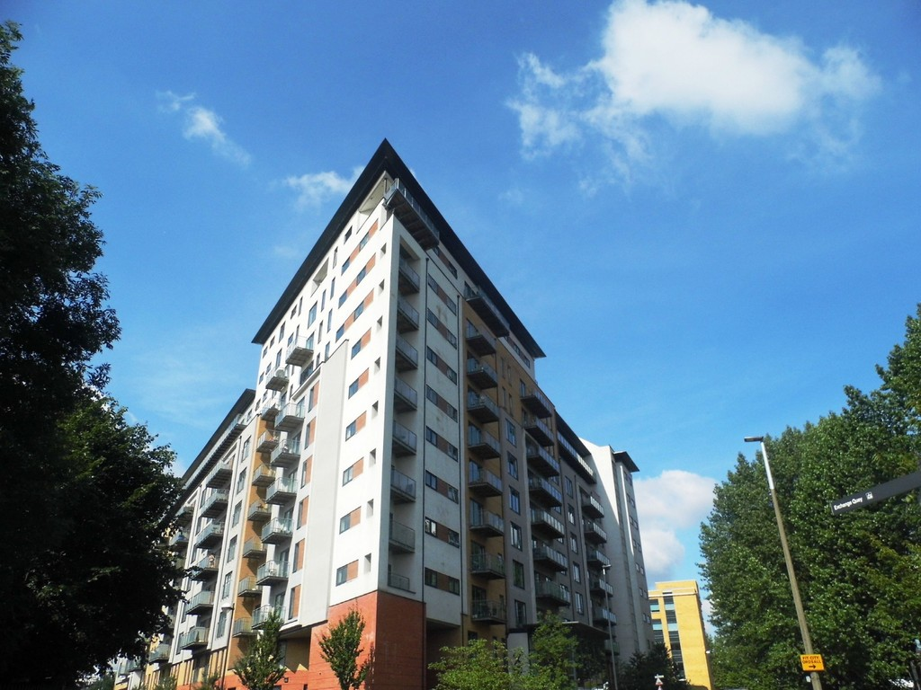 2 Bedrooms Apartment Flat for sale in XQ7, Taylorson Street South, Salford, Manchester, M5 M5