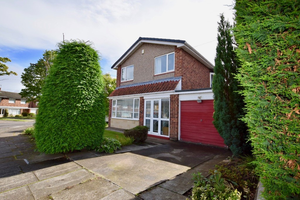 3 Bedrooms Detached House for sale in Whiphill Close, Besscarr DN4