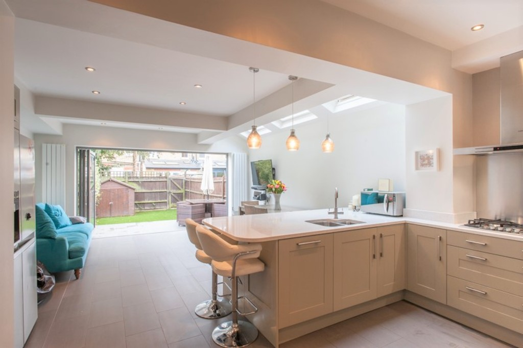 5 Bedrooms Terraced House for sale in Gordon Road, St Margarets, Twickenham TW1
