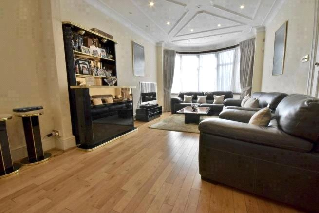 4 Bedrooms Semi Detached House for sale in Highfield Avenue London NW11