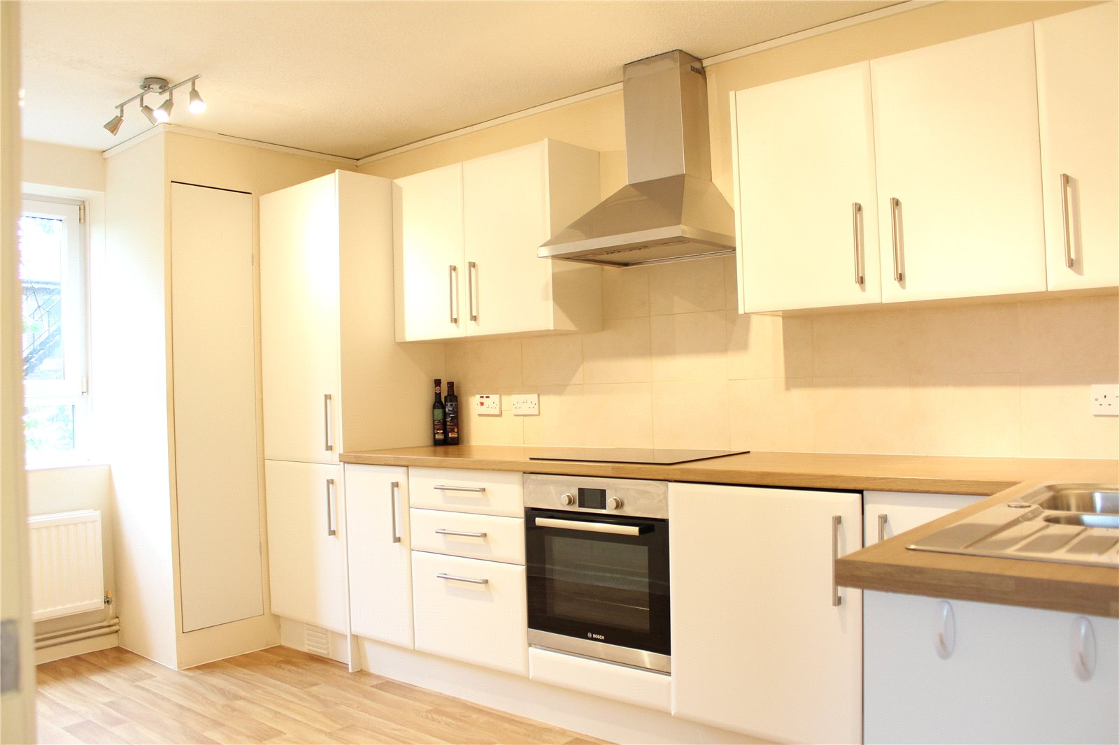 2 Bedrooms Flat for sale in Charlton Court London Road Gloucester GL1