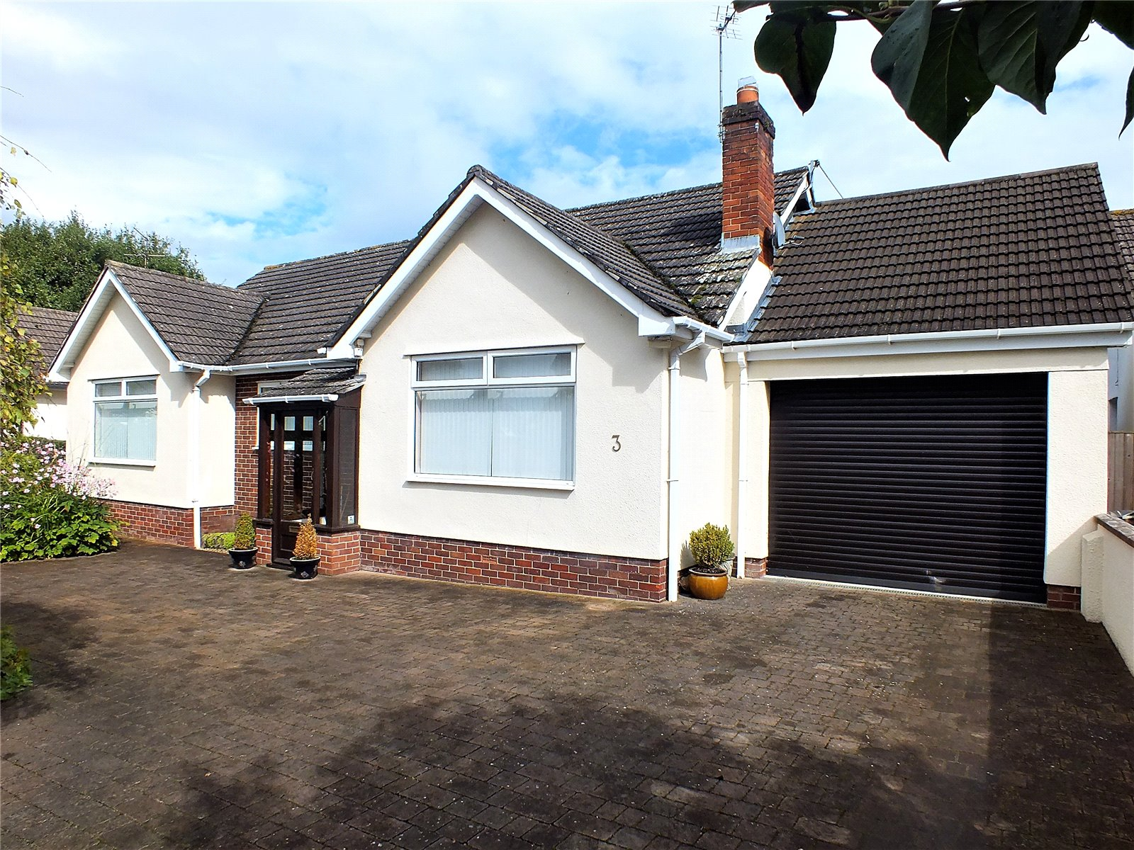 3 Bedrooms Bungalow for sale in Round Oak Grove CHEDDAR BS27