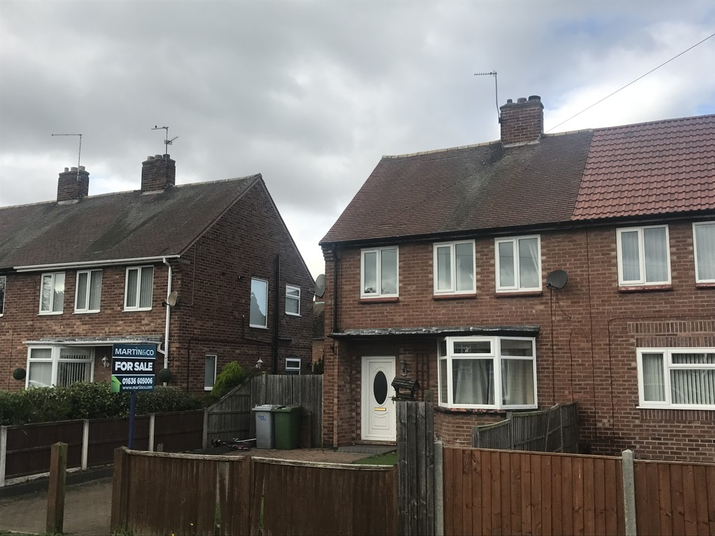 3 Bedrooms Property for sale in Newark, Winthorpe Road NG24