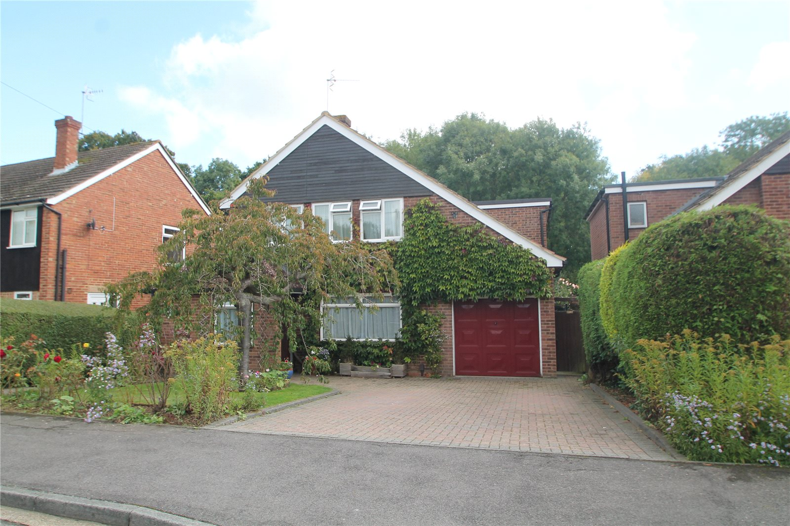 4 Bedrooms Detached House for sale in Hopgarden Road Tonbridge TN10