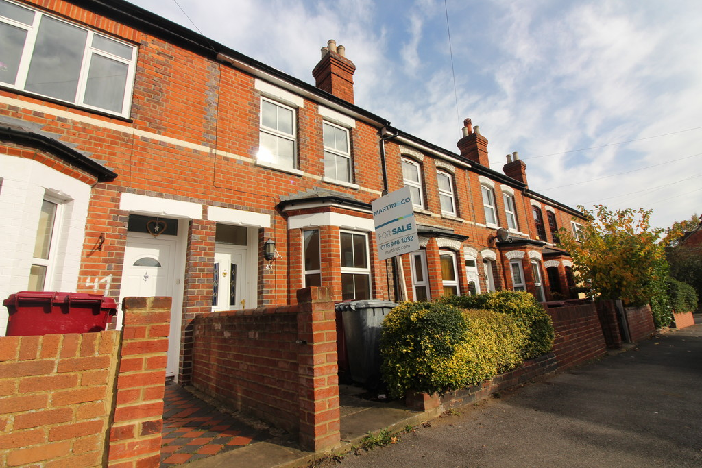 3 Bedrooms Terraced House for sale in St. Georges Terrace, Reading RG30