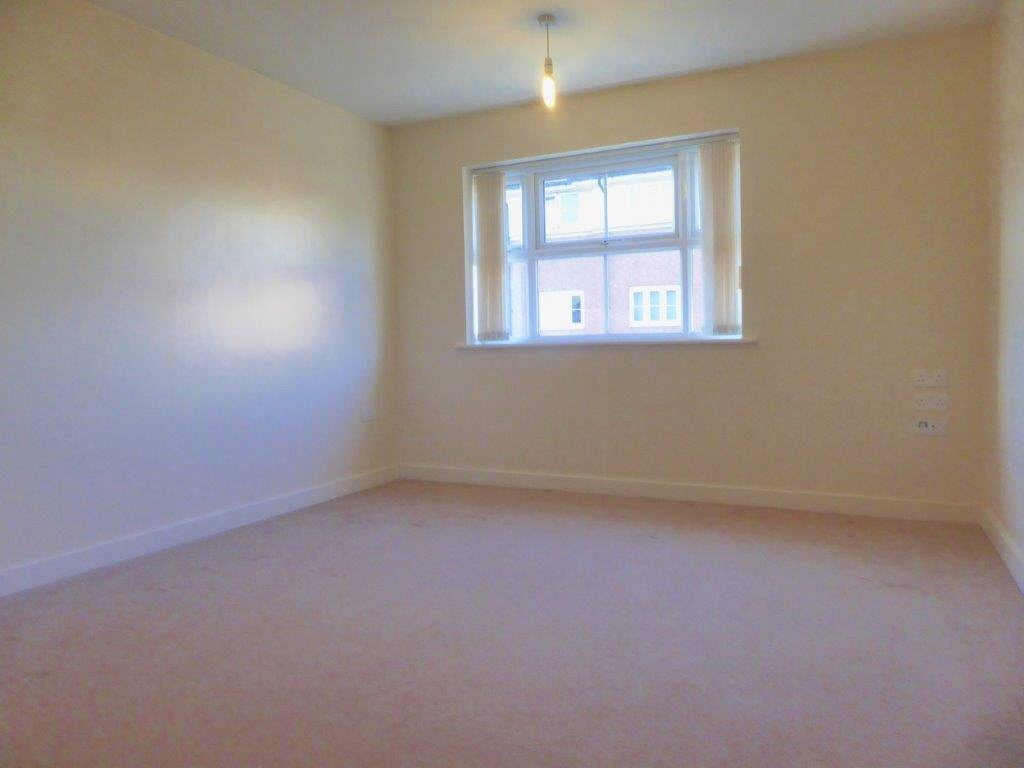 Cj Hole Newport 2 Bedroom Flat For Sale In Argosy Way