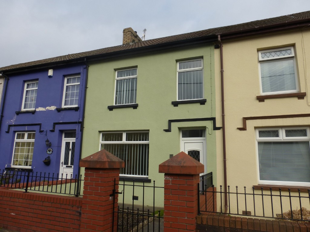 4 Bedrooms Terraced House for sale in Chapel Street, Abercanaid. CF48