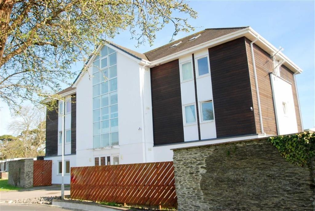 2 Bedrooms Flat for sale in Buckfast Close PL2