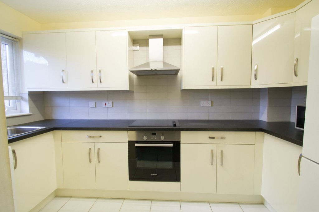 2 Bedrooms Terraced House for sale in Manor Road, Witney OX28