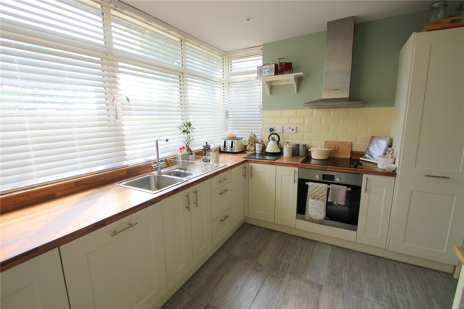 3 Bedrooms Terraced House for sale in St Peters Rise Headley Park Bristol BS13