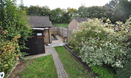 Grantham Close Freshbrook Swindon SN5 Image 5
