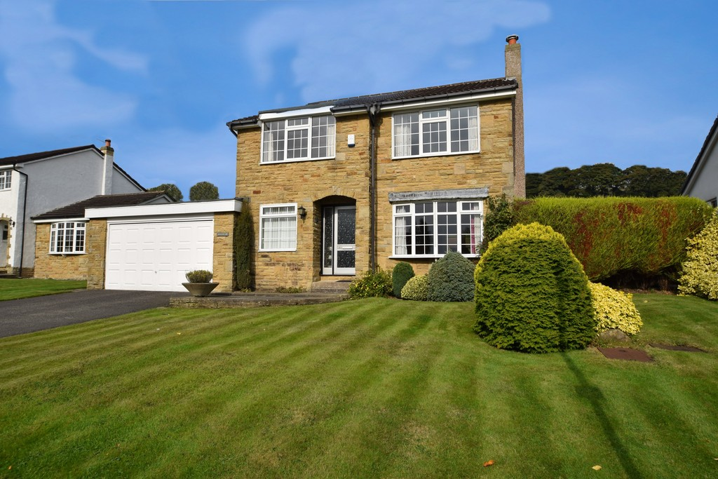 4 Bedrooms Detached House for sale in The Rowans, Baildon BD17
