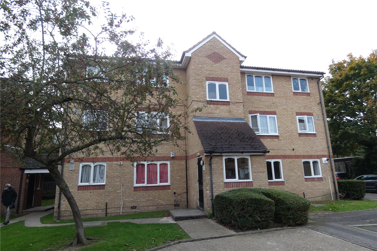 Flat for sale in Barbot Close Edmonton London N9