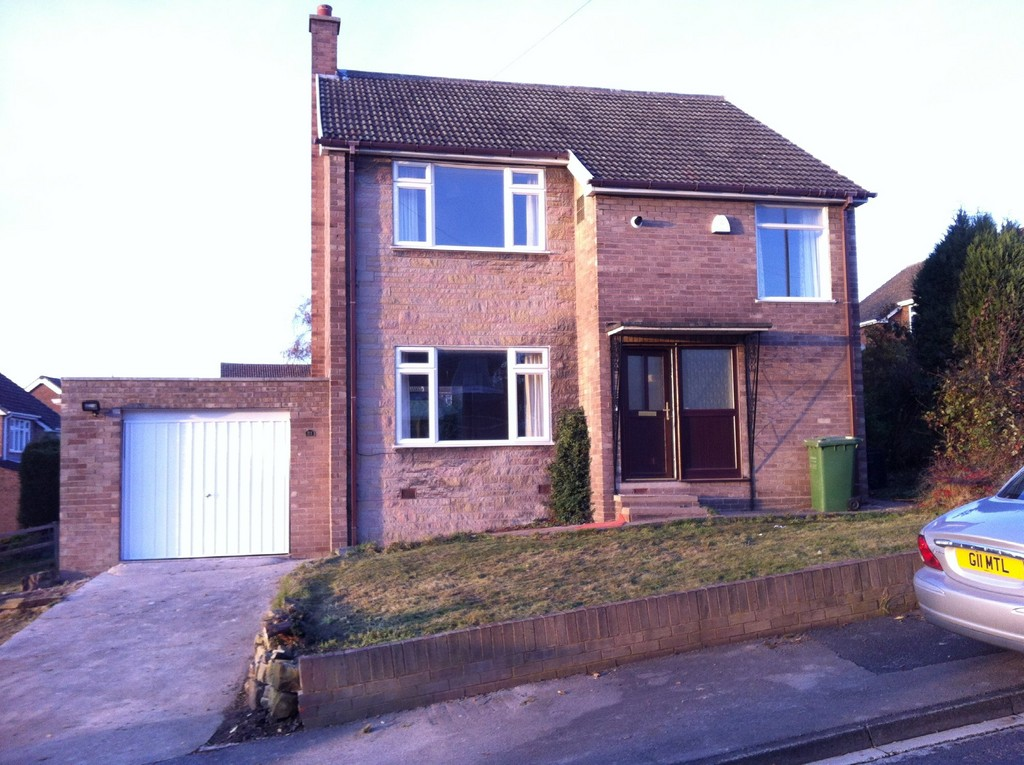 3 Bedrooms Detached House for sale in Wenthill Close, Ackworth WF7