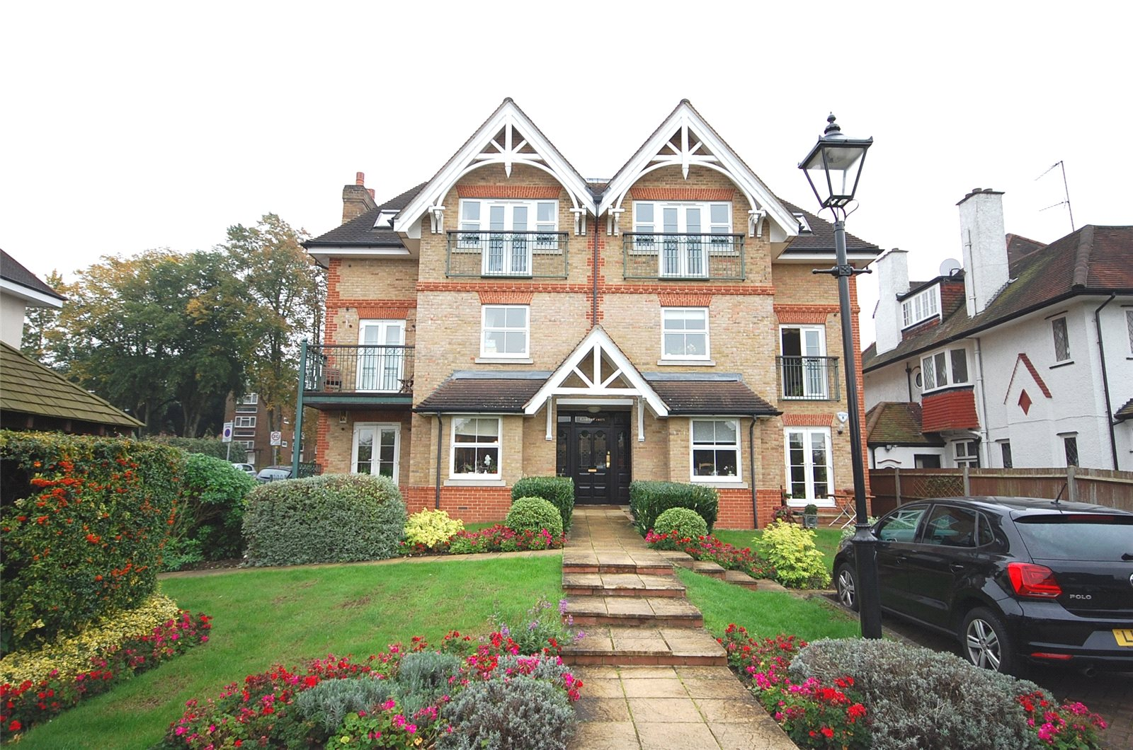 2 Bedrooms Flat for sale in Golda Court St. Marys Avenue Finchley N3