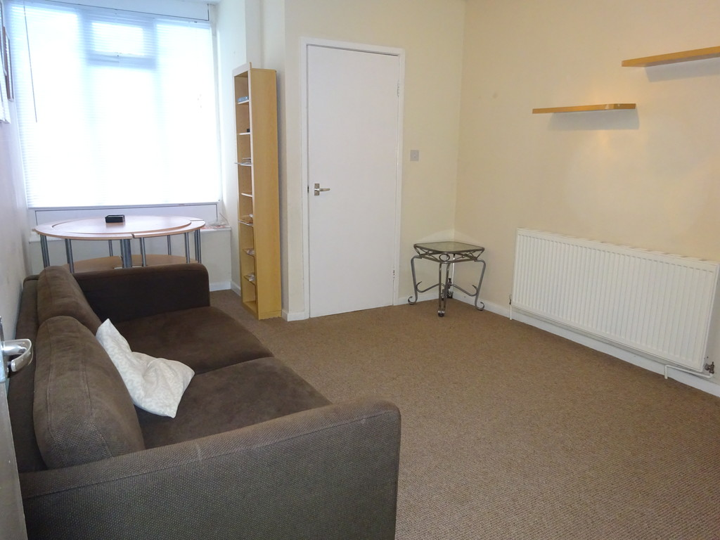 2 Bedrooms Apartment Flat for sale in Vesper Road, Kirkstall LS5