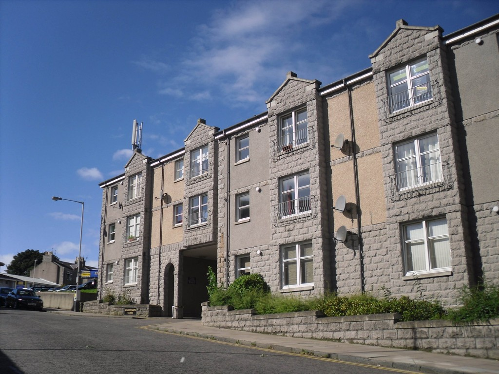 2 Bedrooms Flat for sale in Willowgate Close, Aberdeen AB11