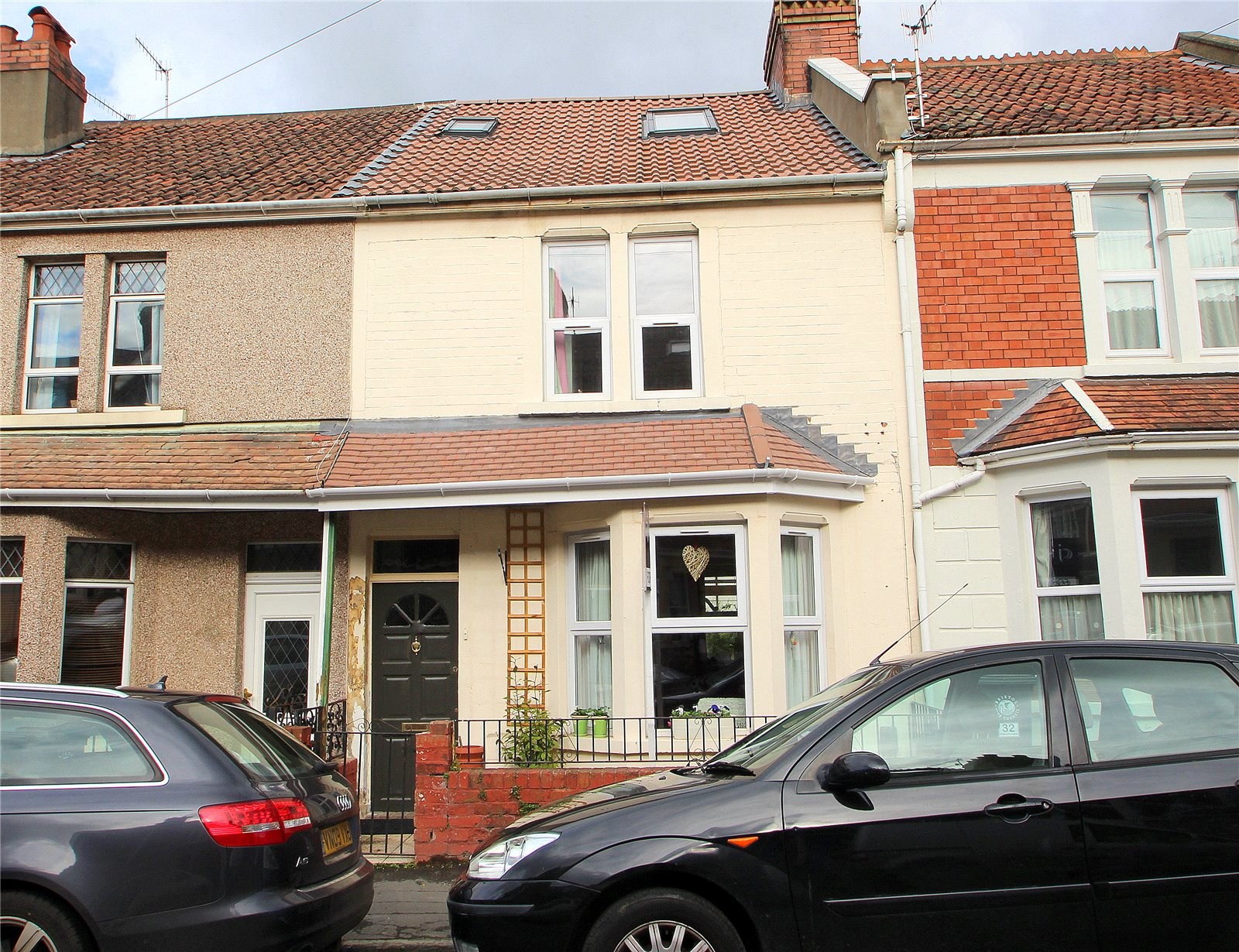 3 Bedrooms Terraced House for sale in Foxcote Road Ashton BRISTOL BS3
