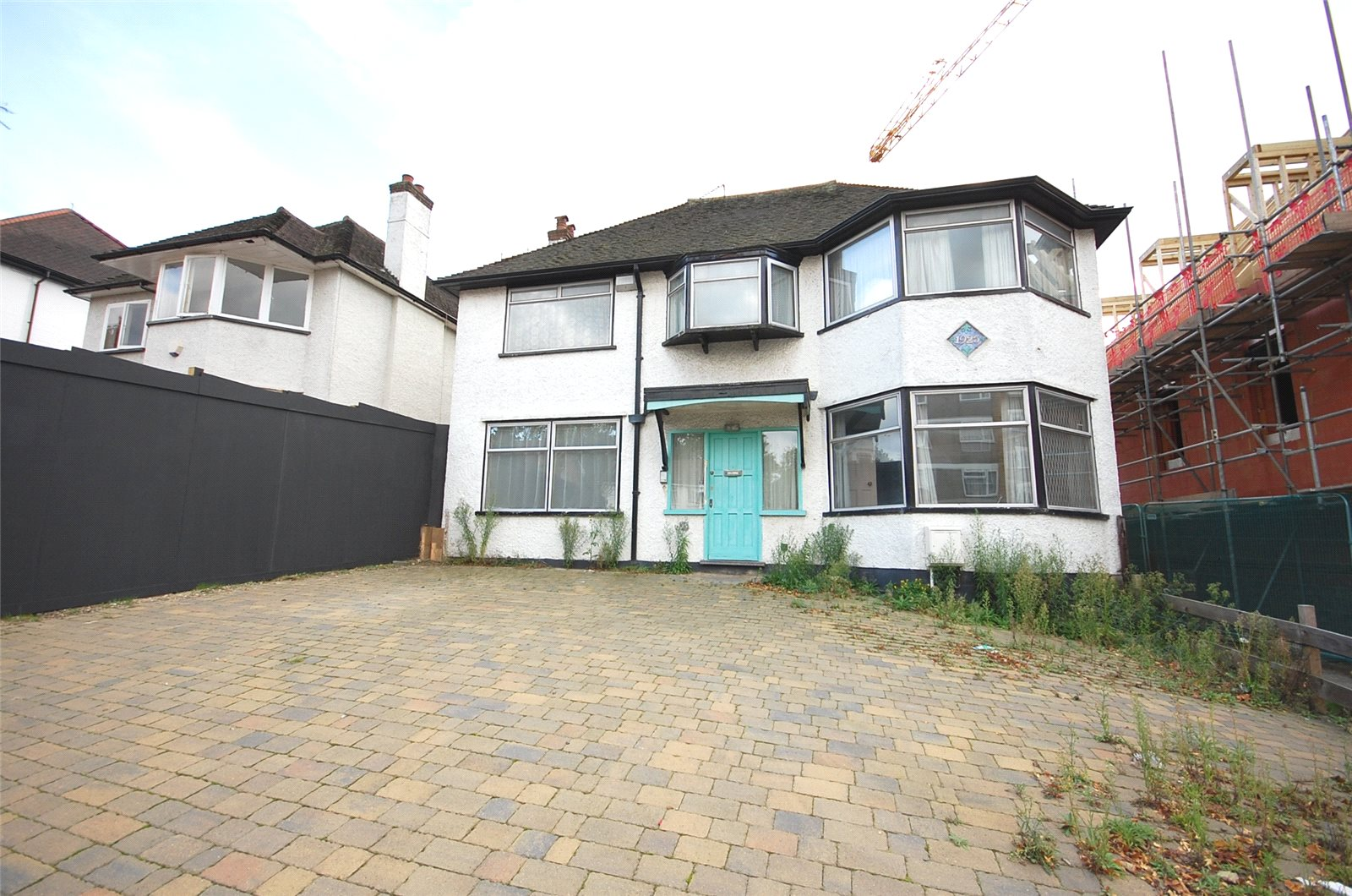 5 Bedrooms Detached House for sale in Wickliffe Avenue Finchley N3