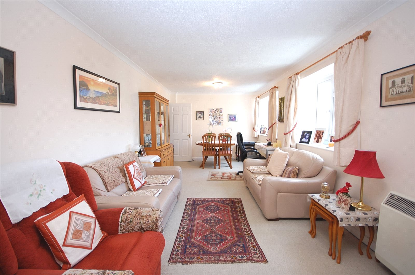 2 Bedrooms Flat for sale in Etchingham Court Etchingham Park Road Finchley N3