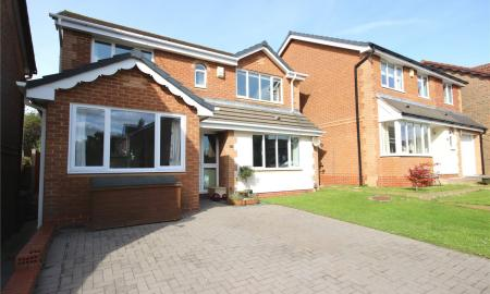 Kingfisher Close Bradley Stoke Bristol BS32 Image 1
