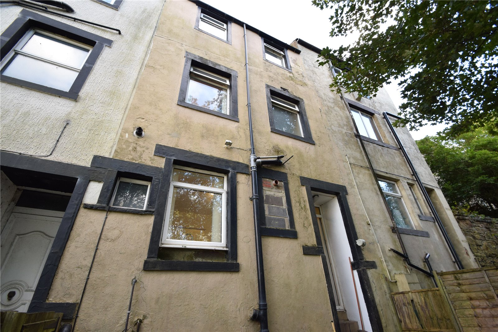 Yorkshire Terrace: Whitegates Keighley 3 Bedroom House For Sale In Cragg