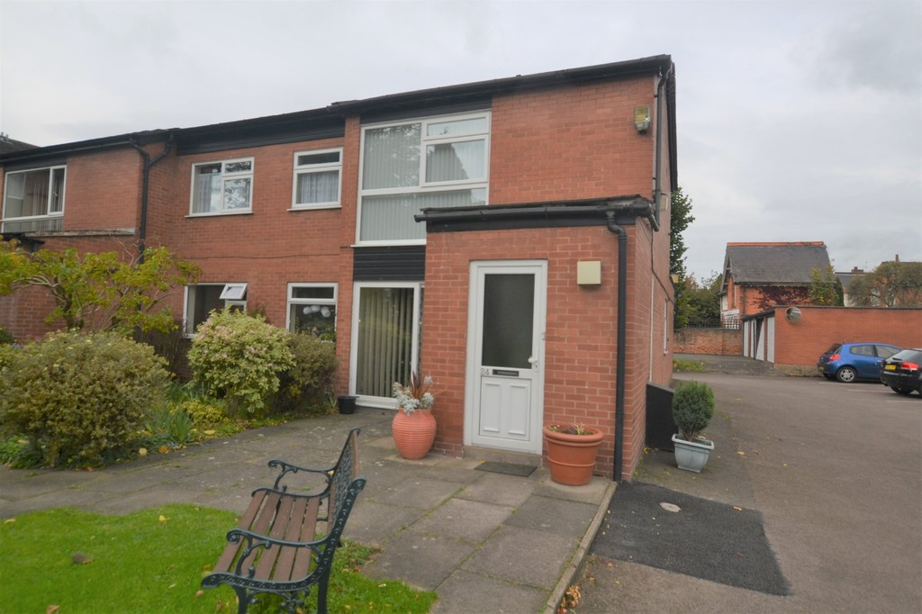 2 Bedrooms Apartment Flat for sale in Ashleigh Gardens, West End , Leicester LE3