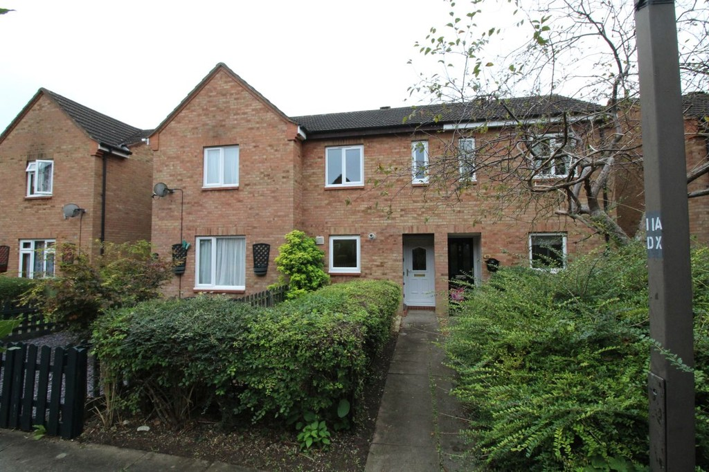 2 Bedrooms Terraced House for sale in Oldbrook, Milton Keynes MK6
