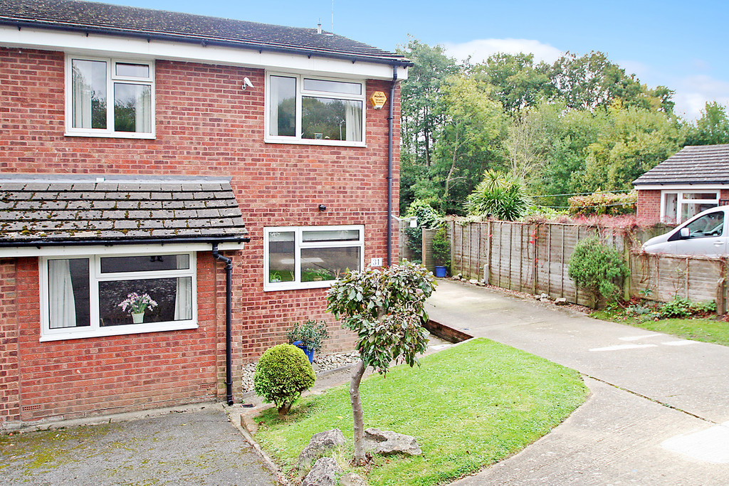 4 Bedrooms Property for sale in Merrion Way, Tunbridge Wells TN4