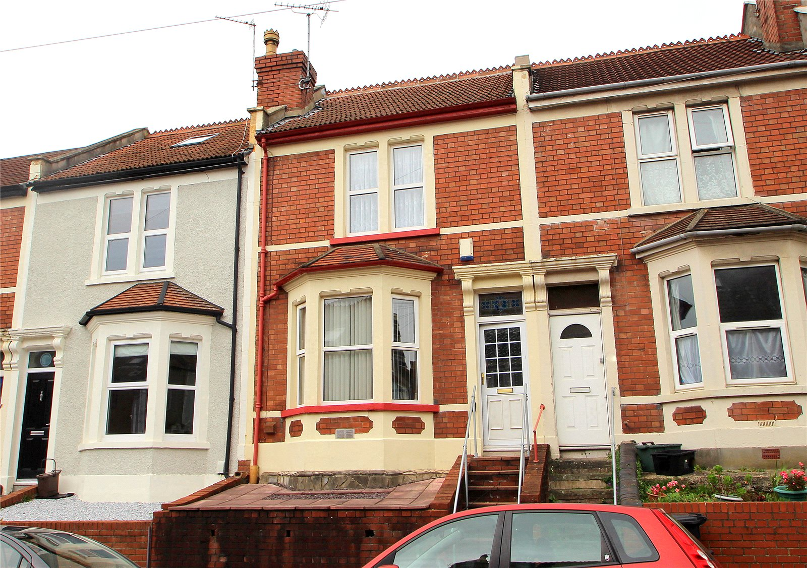 3 Bedrooms Terraced House for sale in Dunkerry Road Windmill Hill BRISTOL BS3