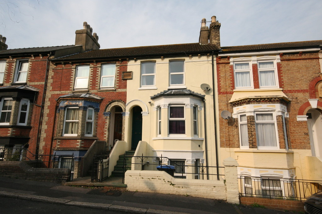 4 Bedrooms Terraced House for sale in Longfield Road, Dover CT17